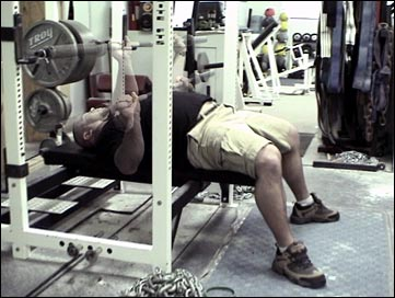 Jim Wendler demonstrates the Westside bench style